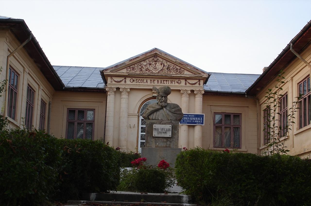 Imagini pentru Caracal Bulevardul Nicolae Titulescu 58